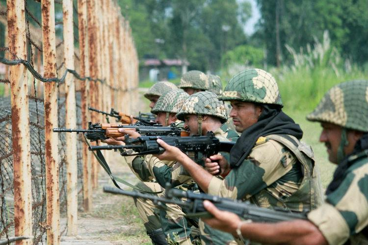 Indian army placed weapons on India Pak Pakistan
