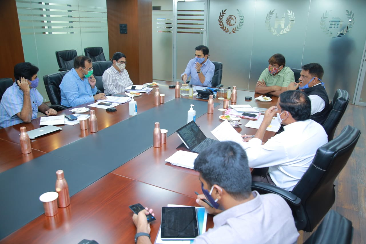 Muncipal minister Ktr review on open drainage