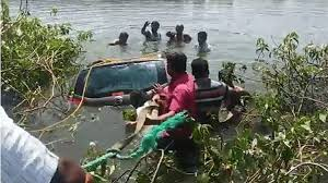 3 died With Car Fell Into Ellanki Pond