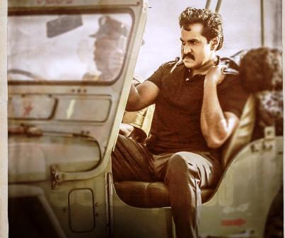 sunil anger look in color photo