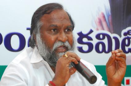 Congress mla jaggareddy fire on Ts government