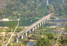 Naxalites demands to Stop Projects